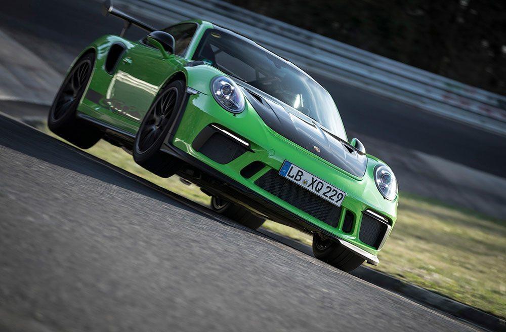 Met de nieuwe 911 GT3 RS heeft Porsche een sub seven auto afgeleverd. Het groene kanon lapt de Nürburgring-Nordschleife in minder dan zeven minuten. Maar een nieuw 'Ringrecord zat er helaas niet in.